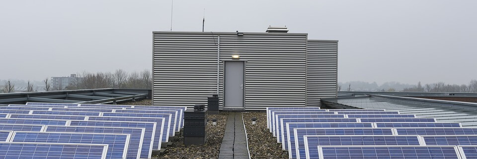 soalr pv fitting and maintenance